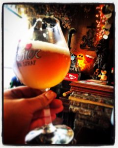 Drinking De Dolle Dulle Teve at 't Brugs Beertje